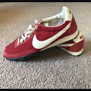 Men's retro Nike sneakers